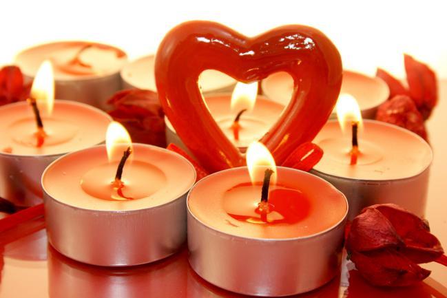 Ideas-para-decorar-con-velas-el-dia-de-los-enamorados