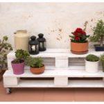 Ideas para decorar jardines con imágenes de palets reciclados