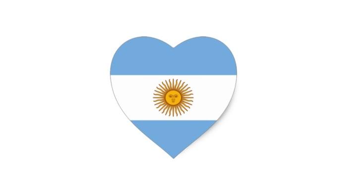 bandera_del_corazon_de_la_argentina_de_argentina_pegatina_en_forma_de_corazon-re54767f7496840cfbd7c361c01e9cd21_v9w0n_8byvr_630