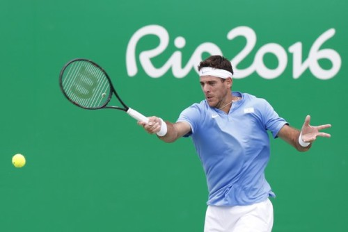 . Rio De Janeiro (Brazil), 11/08/2016.- Juan Martin Del Potro of Argentina in action against Taro Daniel of Japan during their men's singles third round match of the Rio 2016 Olympic Games tennis tournament in Rio de Janeiro, Brazil, 11 August 2016. (Brasil, Tenis, Japón) EFE/EPA/MICHAEL REYNOLDS