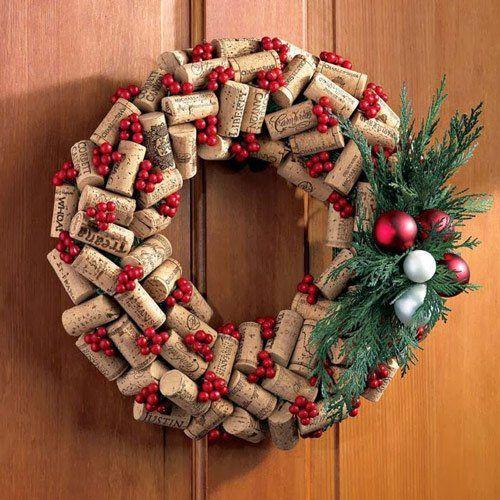 manualidad-corona-navidad-corchos-reciclados
